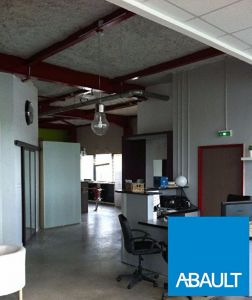 A LOUER LOCAL COMMERCIAL, LOCATION PURE SANS DROIT BAIL, LOCAL NEUF,...