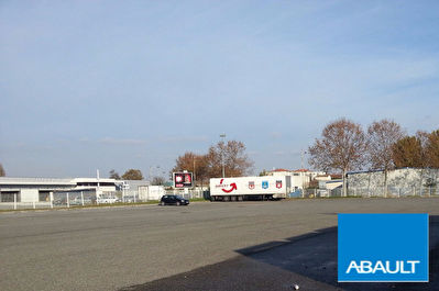 A LOUER : Parking Toulouse 2800 m2