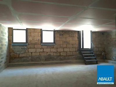 A Louer - Local commercial d'environ 123 m2 - Talence