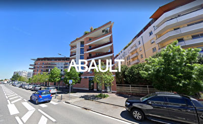 A LOUER LOCAL COMMERCIAL 44 M² BOULEVARD DE SUISSE TOULOUSE 31200