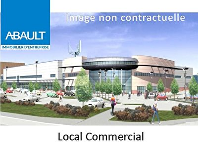 A VENDRE A TOULOUSE CENTRE SUR GRANDE PENETRANTE LOCAL COMMERCIAL DE 246 m2, VIDE