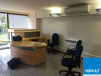 A VENDRE LOCAL COMMERCIAL ROUTE DE NARBONNE TOULOUSE 31400 87M²...
