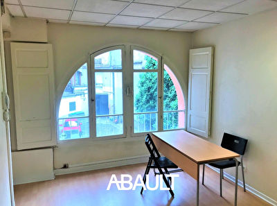 A LOUER LOCAL PROFESSIONNEL 85 M² ENVIRON PLACE WILSON TOULOUSE...