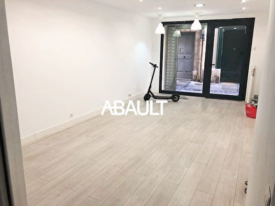 A LOUER LOCAL COMMERCIAL 55M² ENVIRON MONTPELLIER CENTRE ECUSSON