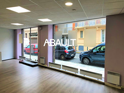 A LOUER LOCAL COMMERCIAL 100 M²  ENVIRON TOULOUSE CENTRE QUARTIER...