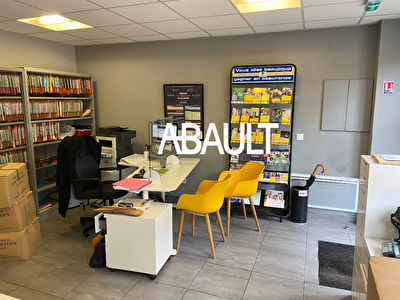 A LOUER LOCAL COMMERCIAL 25M² ENVIRON AVENUE ST EXUPERY TOULOUSE
